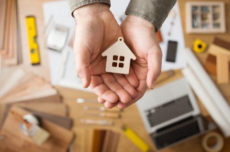 דאי לוודא שהסכום של פוליסת ביטוח שריפה יספיק לבנייה מחודשת של הבית